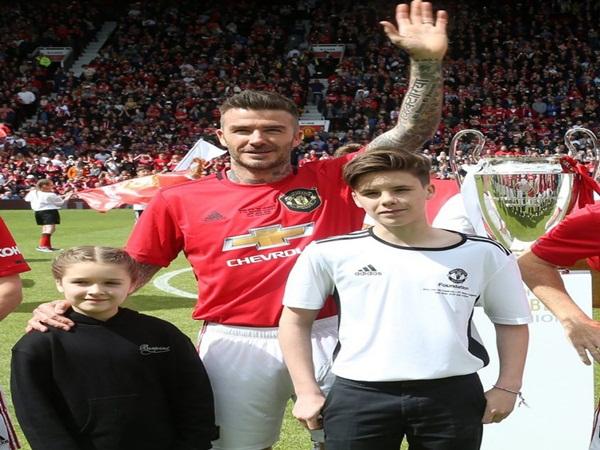 Hình ảnh Beckham với hai con