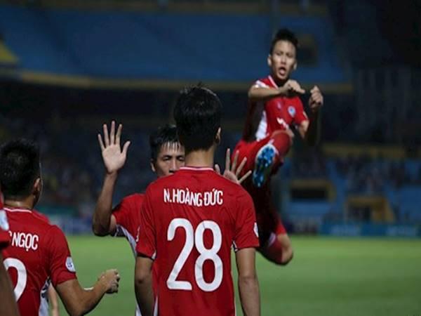 Cú đá kung-fu ăn mừng chiến thắng của Quế Ngọc Hải