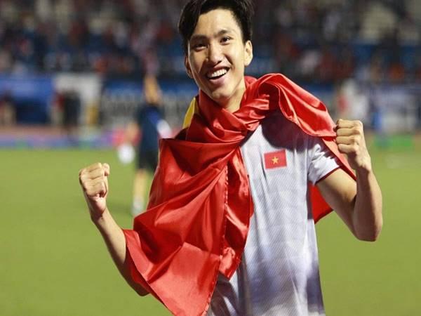 Văn Hậu trở lại V.League giúp CLB Hà Nội sau khi rời Heerenveen