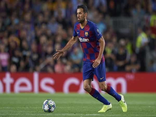 Sergio Busquets (Barcelona) - tiền vệ phòng ngự hay nhất thế giới
