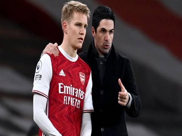 Bóng đá QT 30/3: Arsenal và Real trì hoãn đàm phán về Odegaard