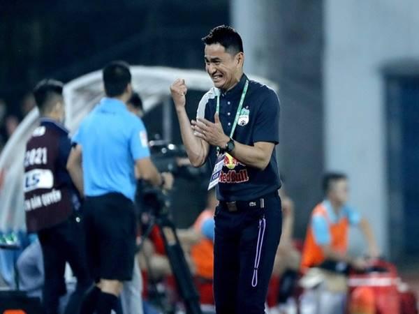Bóng đá VN 13/4: HLV Kiatisuk thừa nhận gặp may khi thắng Nam Định