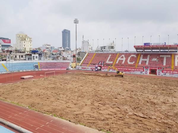 Bóng đá VN 14/5: V-League 2021 tạm nghỉ, sân Lạch Tray được tu sửa