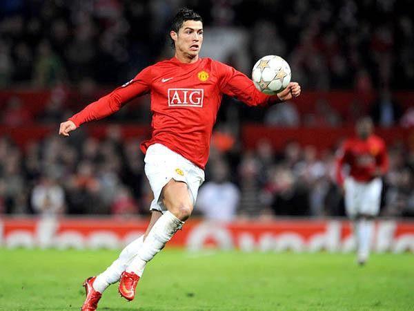 Bóng đá quốc tế tối 30/8: Hé lộ vị trí của Ronaldo tại MU